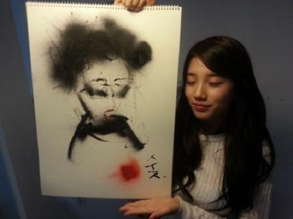 Bạn chắc chắn sẽ bất ngờ khi biết nhiều idol K-Pop còn là những họa sĩ tài ba ảnh 6