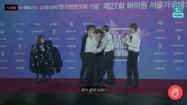 """Wanna One, BTS siêu lịch lãm trên thảm đỏ """"Seoul Music Awards"""" nhưng Super Junior mới gây ấn tượng nhất ảnh 3"""