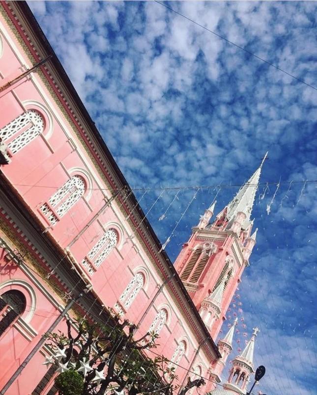 Không chỉ teen Việt, mà teen quốc tế cũng thích mê nhà thờ màu hồng này ảnh 4
