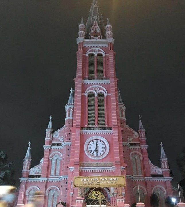 Không chỉ teen Việt, mà teen quốc tế cũng thích mê nhà thờ màu hồng này ảnh 6