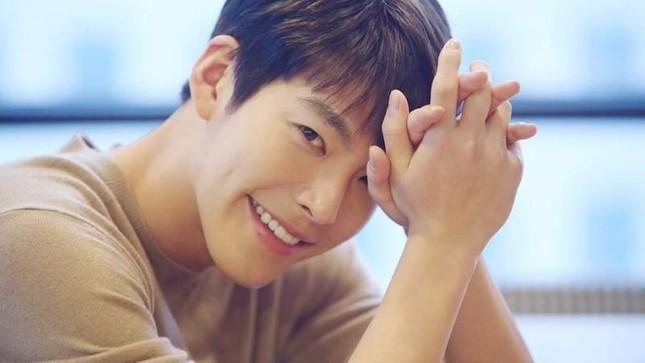 Công ty quản lý thông báo về việc nhập ngũ của Kim Woo Bin  ảnh 1