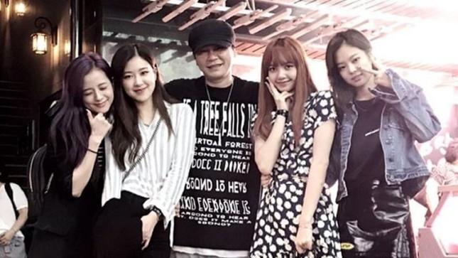 Các fan của BLACKPINK yên tâm đi, bố Yang đích thân khẳng định nhóm sắp trở lại rồi ảnh 2