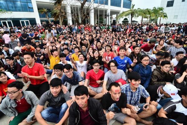 Những tụ điểm xem U23 Việt Nam CK khắp 3 miền, cả đất nước hướng về các cầu thủ ảnh 3