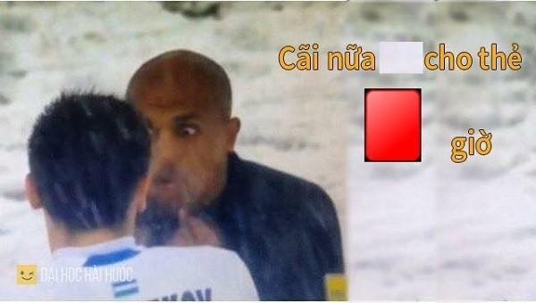 """Cười """"té ghế"""" với ảnh chế Ahmed Alkaf - trọng tài """"soái ca"""" công tâm nhất giải U23 châu Á ảnh 9"""