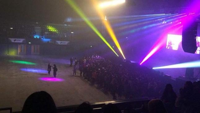 Concert K-Pop tại London chỉ thu hút được 300 fan, ban tổ chức phải phát vé miễn phí ảnh 4