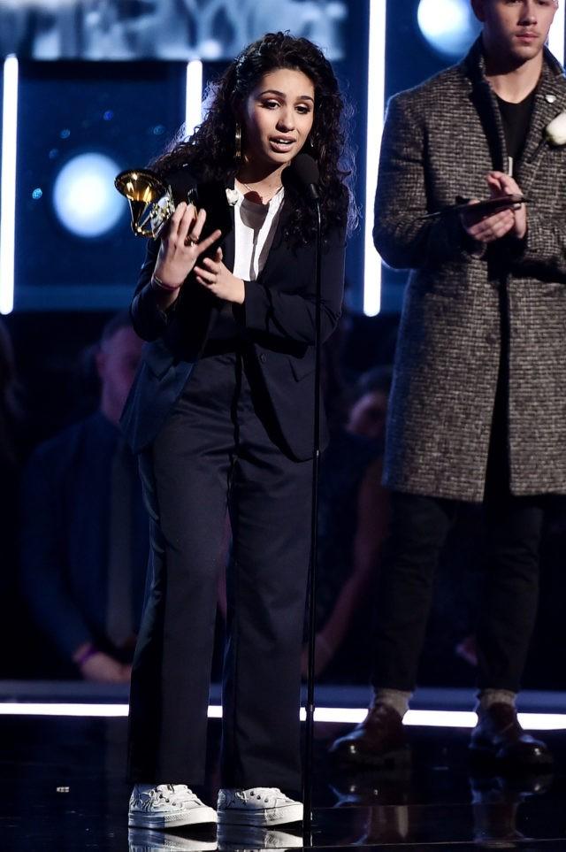 Với những bản hit, những đóng góp của mình Alessia hoàn toàn xứng đáng với giải thưởng này.