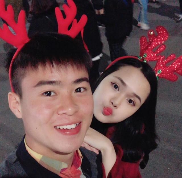 Lộ diện bạn gái của Duy Mạnh - đội phó U23 Việt Nam cắm quốc kỳ trên tuyết trắng ảnh 3