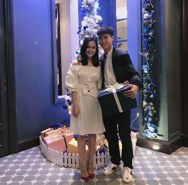 Lộ diện bạn gái của Duy Mạnh - đội phó U23 Việt Nam cắm quốc kỳ trên tuyết trắng ảnh 6