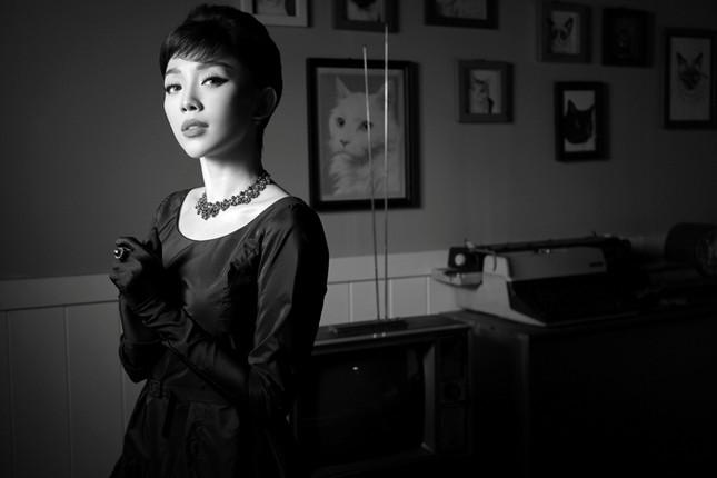 Tóc Tiên hóa thành huyền thoại Audrey Hepburn trong bộ ảnh mang phong cách retro ảnh 5