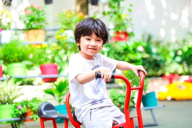 """Trịnh Thăng Bình """"chơi lớn"""" với vai chính trong """"Ông Ngoại Tuổi 30"""" phiên bản Việt ảnh 5"""