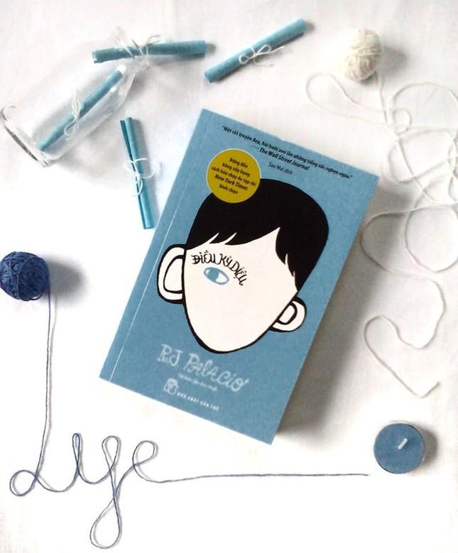"""Cuốn sách sẽ làm bạn muốn ôm cả thế giới chính là """"Điều kỳ diệu"""" ảnh 4"""
