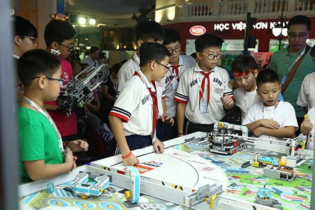 Hơn 800 học sinh TP.HCM hào hứng tham gia cuộc thi khoa học ứng dụng ảnh 2