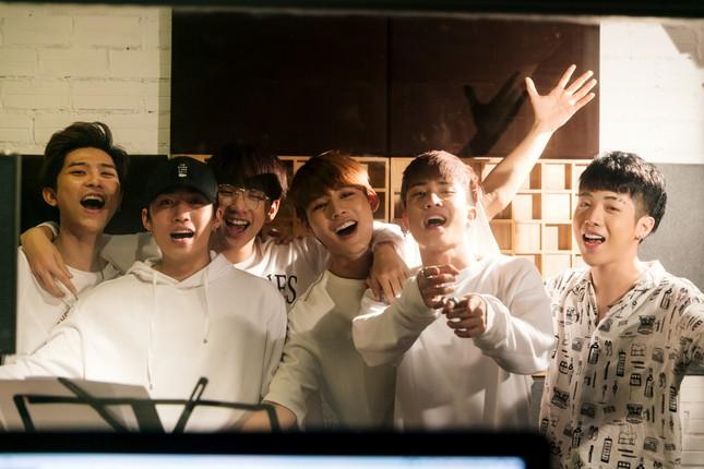 """19 ca sĩ, nhóm nhạc đình đám V-Pop hòa giọng trong ca khúc chủ đề của album """"Bình tĩnh sống""""  ảnh 4"""