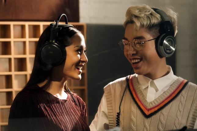 """19 ca sĩ, nhóm nhạc đình đám V-Pop hòa giọng trong ca khúc chủ đề của album """"Bình tĩnh sống""""  ảnh 3"""