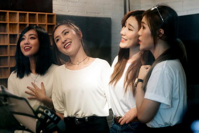 """19 ca sĩ, nhóm nhạc đình đám V-Pop hòa giọng trong ca khúc chủ đề của album """"Bình tĩnh sống""""  ảnh 2"""