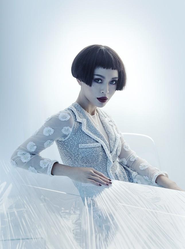 """Hoa hậu H' Hen Niê, Mâu Thuỷ , Hoàng Thuỳ thể hiện BST """"Coco Yêu Dấu"""" của NTK Công Trí  ảnh 1"""