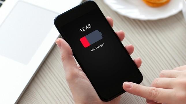 Đâu là nguyên nhân khiến thời lượng pin trên Smartphone ngày một thấp? ảnh 1
