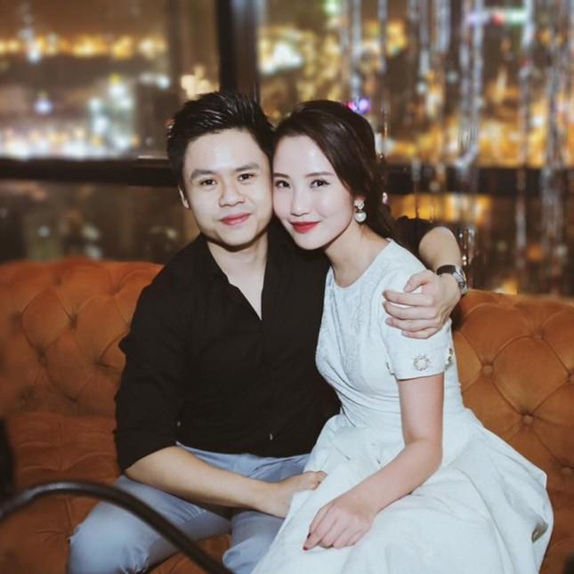 """Trước tin đồn chia tay Primmy Trương, Phan Thành chỉ lẳng lặng để trạng thái """"độc thân"""" và like ảnh Midu ảnh 1"""