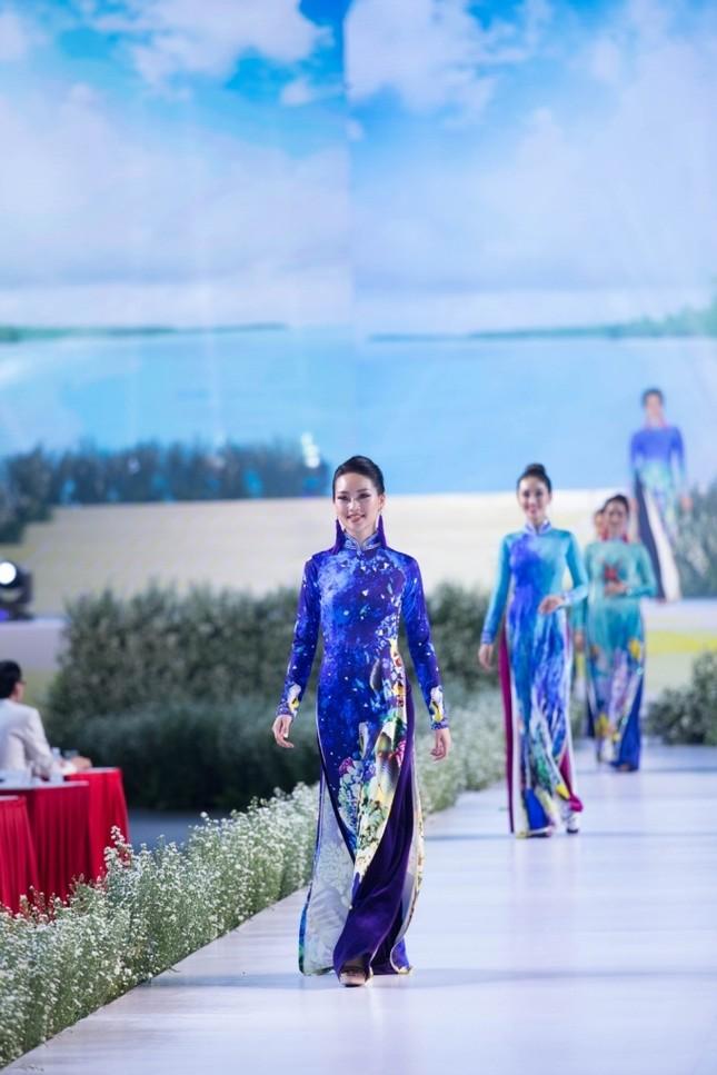 """BST áo dài mang thông điệp bảo vệ môi trường gây chú ý tại """"Lễ hội Áo dài TP.HCM 2019"""" ảnh 3"""