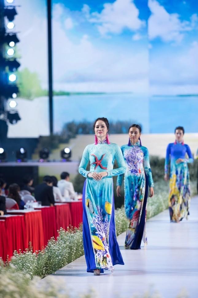 """BST áo dài mang thông điệp bảo vệ môi trường gây chú ý tại """"Lễ hội Áo dài TP.HCM 2019"""" ảnh 2"""
