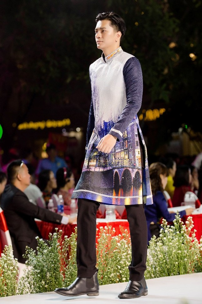 """BST áo dài mang thông điệp bảo vệ môi trường gây chú ý tại """"Lễ hội Áo dài TP.HCM 2019"""" ảnh 7"""