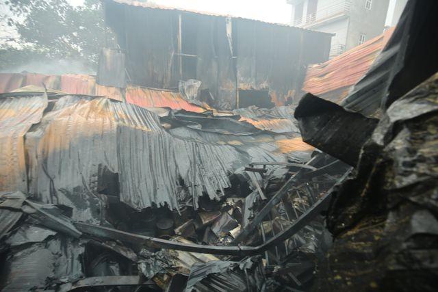 Hình ảnh hiện trường vụ cháy kinh hoàng làm 8 người chết và mất tích ảnh 3