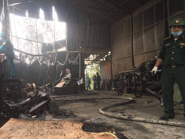 Hình ảnh hiện trường vụ cháy kinh hoàng làm 8 người chết và mất tích ảnh 7