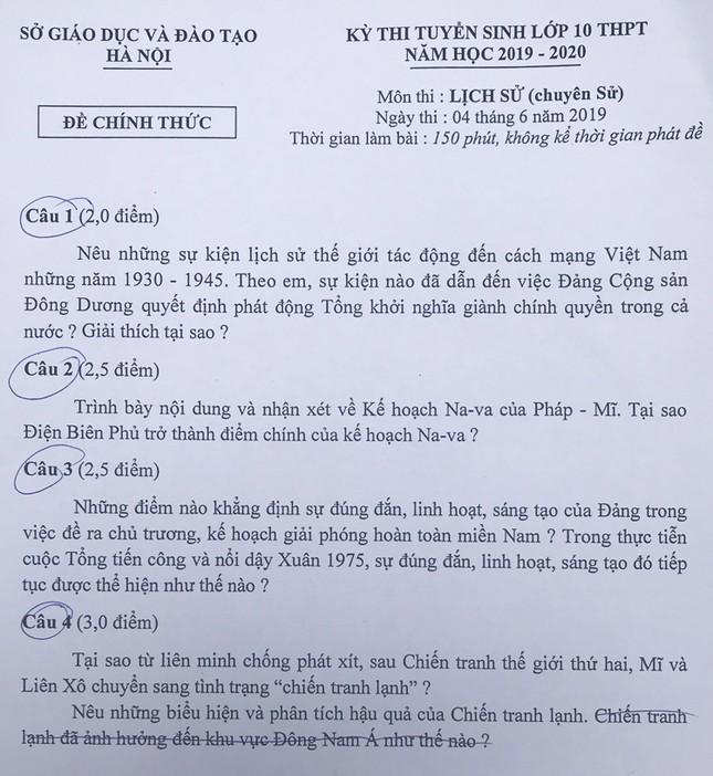 """Tổng hợp đề thi lớp 10 chuyên ở Hà Nội: Toán, Văn """"hóc búa"""", Sử, Địa không """"thách thức"""" thí sinh ảnh 4"""