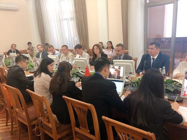 Đại biểu thanh niên Việt Nam đối thoại cùng đại diện Cơ quan Thanh niên Liên bang Nga ảnh 2