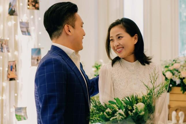 Những bí mật đằng sau buổi cầu hôn lãng mạn của MC Hà Trinh và bạn trai Việt kiều ảnh 1