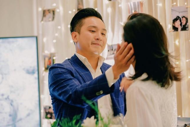 Những bí mật đằng sau buổi cầu hôn lãng mạn của MC Hà Trinh và bạn trai Việt kiều ảnh 3