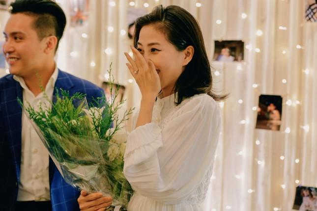 Những bí mật đằng sau buổi cầu hôn lãng mạn của MC Hà Trinh và bạn trai Việt kiều ảnh 4