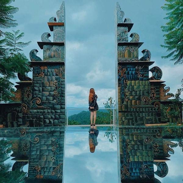 """Xuất hiện """"cổng trời Bali"""" ở Đà Lạt gây khiến cộng đồng mạng tranh cãi gay gắt ảnh 8"""