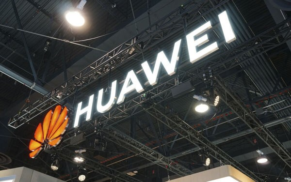 Facebook, Messenger và Instagram vẫn được cài sẵn trên điện thoại Huawei ảnh 1