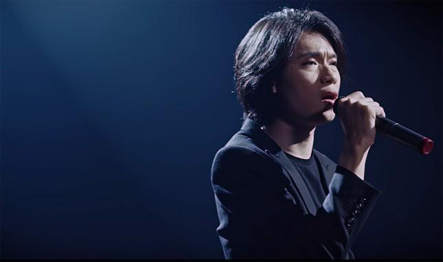 """Hình ảnh lầy lội của Quang Trung bị """"phá tan"""" bởi loạt ảnh nhá hàng trong MV mới  ảnh 2"""