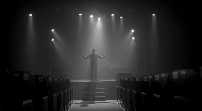 """Fan """"hú hét"""" khi Sơn Tùnglộ diện cực nam tính trong trailer """"Sky Tour 2019"""" ảnh 2"""