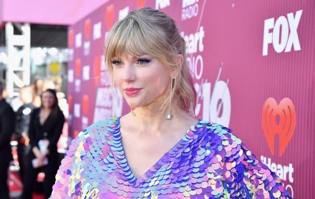 """Tiết lộ bí mật """"cực yêu"""" đằng sau hình ảnh """"chị em hoà bình"""" của Taylor Swift và Katy Perry ảnh 13"""