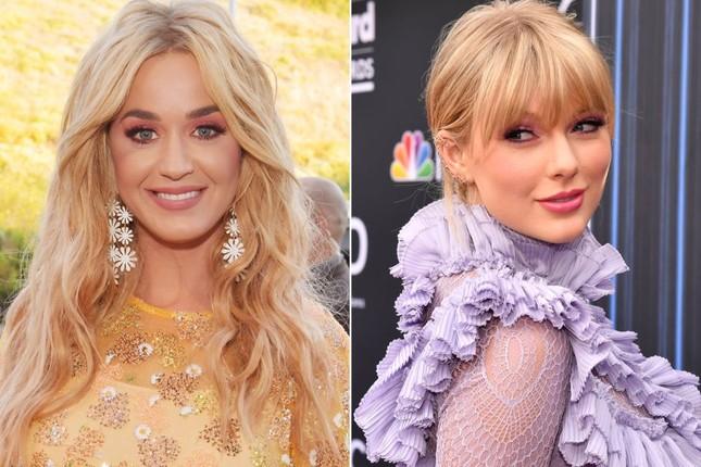 """Tiết lộ bí mật """"cực yêu"""" đằng sau hình ảnh """"chị em hoà bình"""" của Taylor Swift và Katy Perry ảnh 10"""