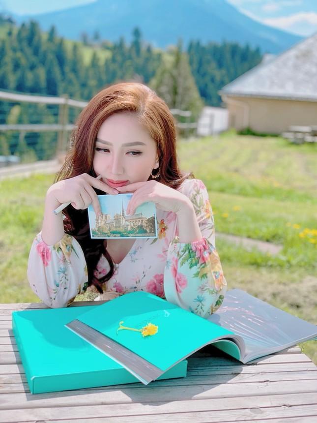 """Bảo Thy tạo cú """"twist"""" cuối cùng trong MV """"Ngộ Nhận"""" khiến fan ngỡ ngàng  ảnh 3"""