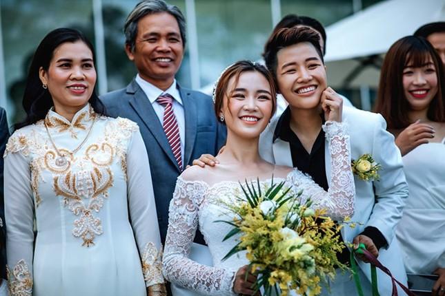"""2 """"hot girl"""" làm đám cưới: """"Tôi mong Việt Nam sớm công nhận hôn nhân đồng giới"""" ảnh 10"""