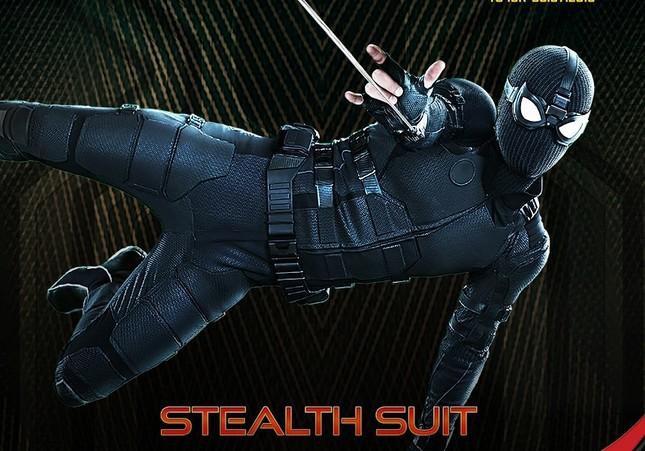 """Thôi xong, Tom Holland lại lỡ miệng khoe hai bộ giáp mới trong """"Spider-Man: Far From Home"""" ảnh 2"""
