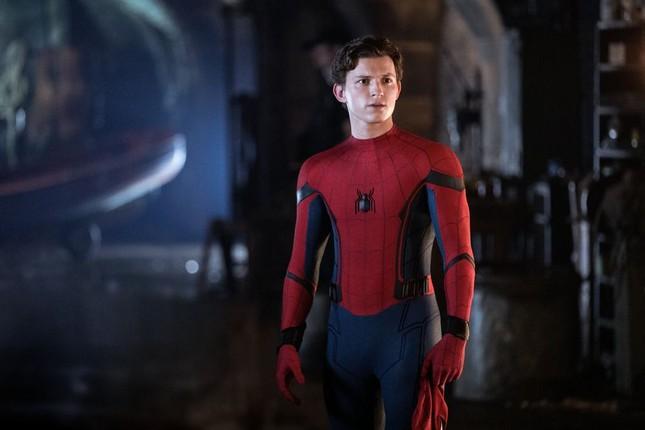"""Thôi xong, Tom Holland lại lỡ miệng khoe hai bộ giáp mới trong """"Spider-Man: Far From Home"""" ảnh 1"""