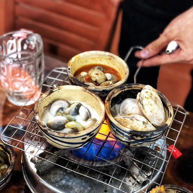 """Chảy nước miếng với """"thực đơn ngày mưa"""" ở Sài Gòn ảnh 4"""