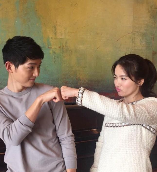Song Hye Kyo, cô gái gần hai mươi năm vẫn chỉ mải miết tìm kiếm một chân tình ảnh 5