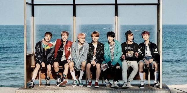 """Nhờ """"Tiên tử Sold Out"""" Jungkook (BTS), sách Hàn Quốc gây """"bão"""" tại Nhật Bản ảnh 3"""