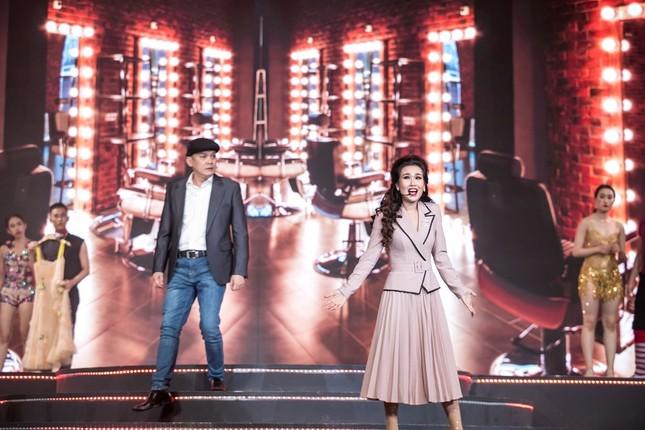 """Võ Hạ Trâm tỏa sáng đỉnh cao sự nghiệp trong Liveshow """"This Is Me"""" với phong cách Broadway ảnh 5"""