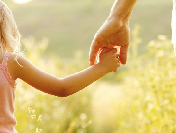 Tình yêu thương luôn chạm tới trái tim của trẻ em.