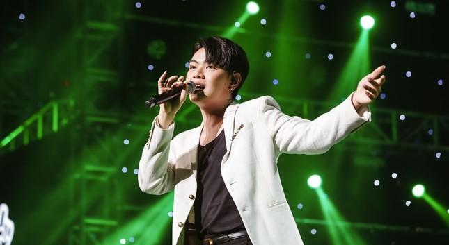V-L.O.Λ.E cảm động khi NU'EST muốn tổ chức concert và sống ở Việt Nam  ảnh 8