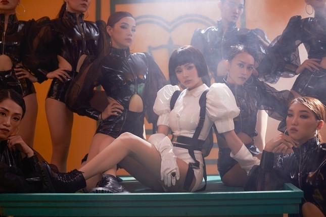 """Không quá khó đoán, bộ đôiJack & K-ICM comeback và lập kỉ lục mới với """"Sóng Gió"""" ảnh 3"""