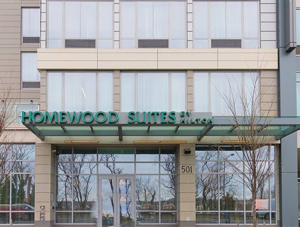 Khách sạn Homewood Suites, nơi Smith làm thêm.
